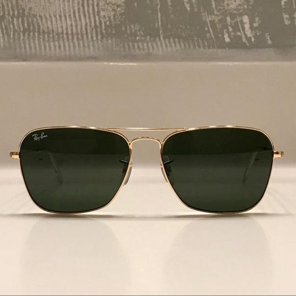 7c4bbf88571c Ray-ban Gold Caravan Aviator Sunglasses - UNISEX. M 5b84a5f0129955ddea8b4b16